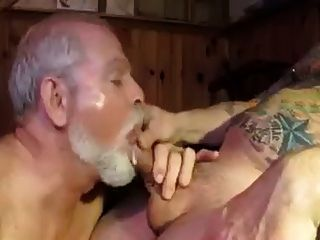 Polarbear Daddy Sucks & Licks Balls & Eats Cum