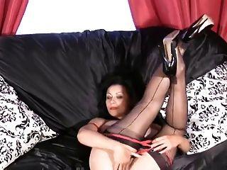 Danica Collins (donna Ambrose) In Finger Fucker