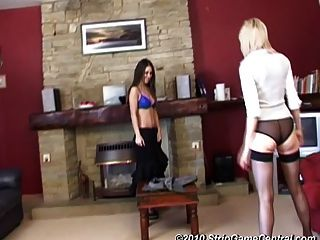 Jess And Samantha Play Strip Tickle 39.