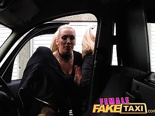 Femalefaketaxi Finger-fucking A Fit Babe