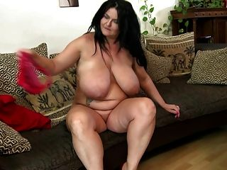 Gorgeous Big Mature Mom With Perfect Curvy Body