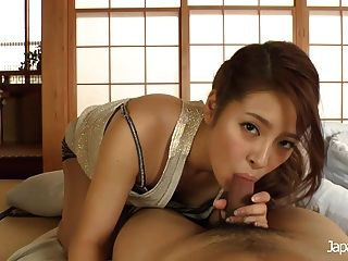 Japan Hd Gorgeous Japanese Babe Giving A Hand