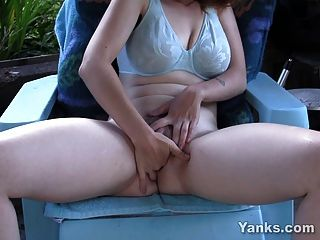 Sexy Amateur Twila Toying Her Pussy