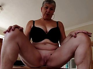 Amateur Real Mature Mother With Thirsty Vagina