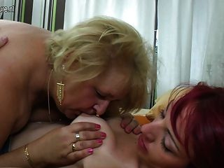 Mature Mother Fucks Her Young Lesbian Girl