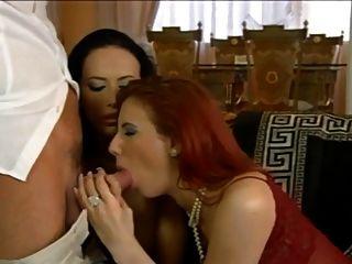 Italian Babes 3some