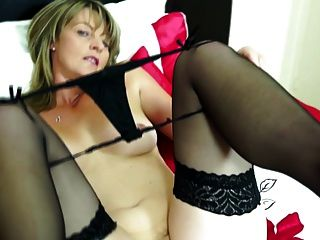 Hungry Mature Pussy 11