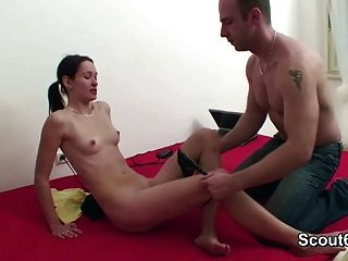 Step-dad Voyeur German Not Step-daughter And Fuck Her