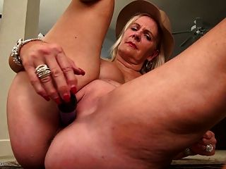 Amazing Grannies With Hungry Holes