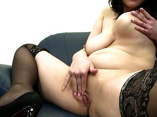 Posh Mature Mom With Big Tits And Perfect Body