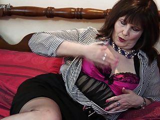 Naughty British Mature Lady Getting Dirty
