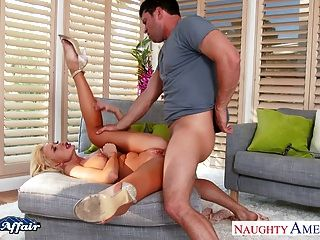 Platinum Blonde Summer Brielle Fuck Her Neighbor