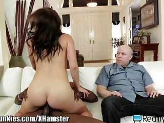 Milf Fucks A Black Guy In Front Of Husband