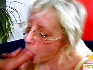 Oma (71) Ist Ne Echte Drecksau