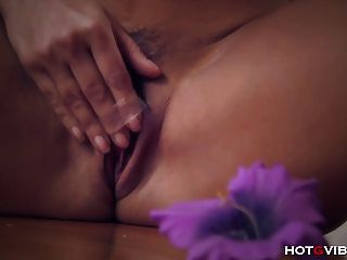 Milf Lisa Ann Moans In Pure Ecstasy