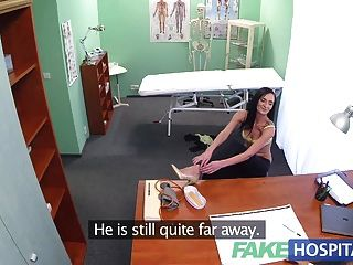 Fakehospital Patient Gives New Doctor Healthy Blowjob