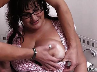 Bbw Picked Up And Fucked In Restroom