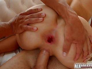 Allinternal Outdoor Threesome And Creampie Play