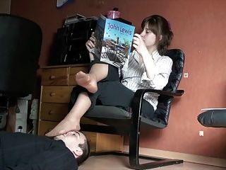 Polish Mistress Footstool Marathon