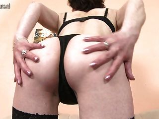 Amateur Skinny Mom With Old Hungry Vagina