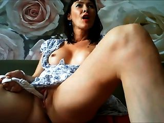 Very Horny Milf Masturbating On Webcam