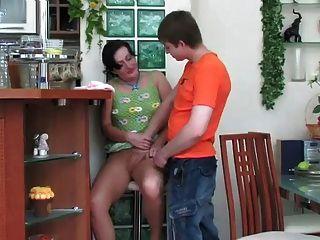 Gwendolen - Houseworking Hot Ass Stepmom