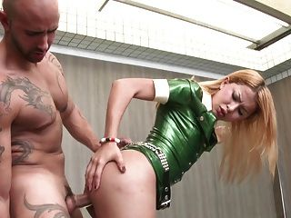 Shemale-tranny - Latex Ladyboy Gets Big Size In Her Ass