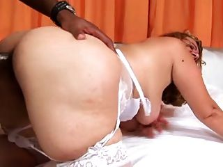 Mature Likes Bbc In Her Ass