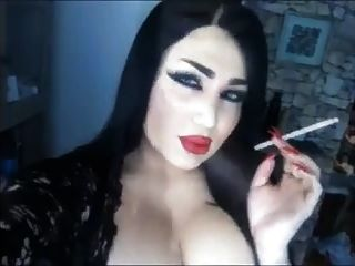 Big Red Lips Smoke