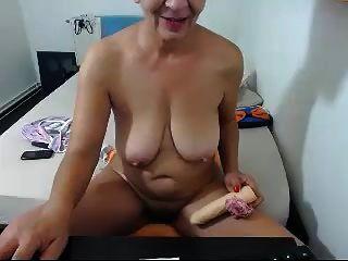 Granny Fucking A Dildo Like A Crazy Webcam