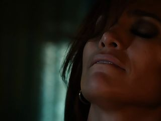Jennifer Lopez, Lexi Atkins - The Boy Next Door (hd)