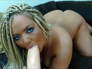 Big Booty Blonde Toys On Cam