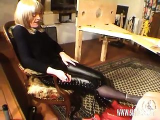 Bizarre Slave Fisted And Foot Fucked In Both Holes