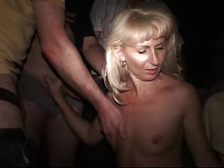 Gang Bang Au Cinema Porno