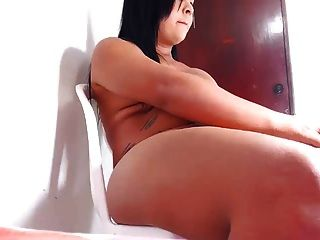 Cumming On Webcam 22