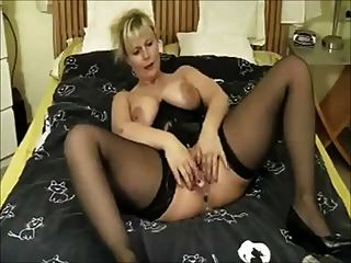 Wet Milf Real Squirt With A Lot Of  White Cumming