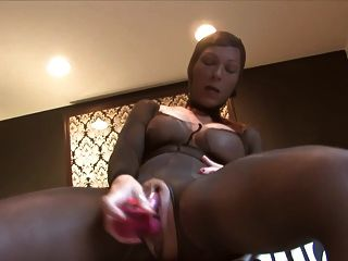 19-6-15 Squirting In Nylon Encasement And Hood
