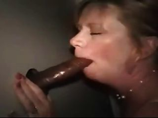 Sexy Mature Woman In Gloryhole With Bbc