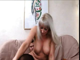 Mature Aunt  The Guy To Have Sex With Her!