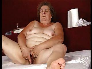 Fingering Granny