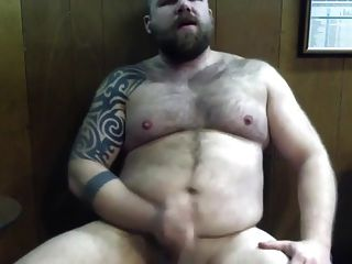 Hot Hairy Bear Gets Off On The Stink Of His Hairy Musty Armp