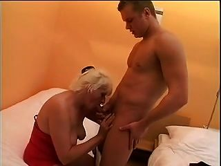 Amateur Granny Maria Fucks Younger Guy