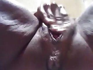 Big Ebony Clit Orgasm