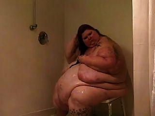Ssbbw Showering