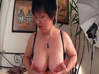 Cumming With A Hot Mature Milf