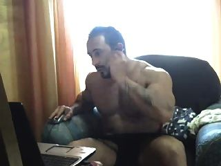Str8 Tattoo Muscle Daddy Jacks Off On Cam