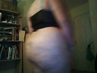Bbw Shoves A Toy In Her Fat Pussy