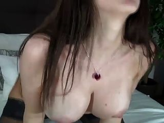Hot Cam Girl With Fuck Machine
