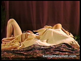 Twilightwomen - Naughty Lesbian Masturbation And Kissing