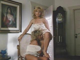 Two Blonds Lesbo Strapon
